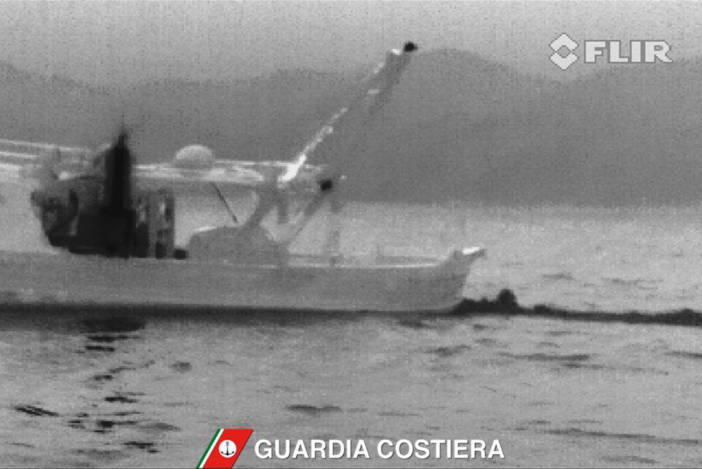 Un'immagine del video girato dalla Guardia Costiera