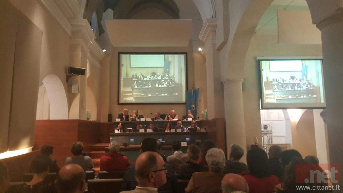L'ultima seduta del Consiglio comunale che si è tenuta, non senza qualche polemica, ancora una volta nell'auditorium