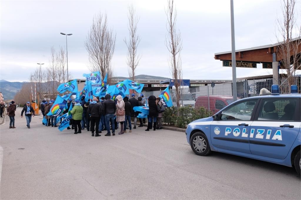 La manifestazione della Uiltucs al Mof lo scorso 9 febbraio