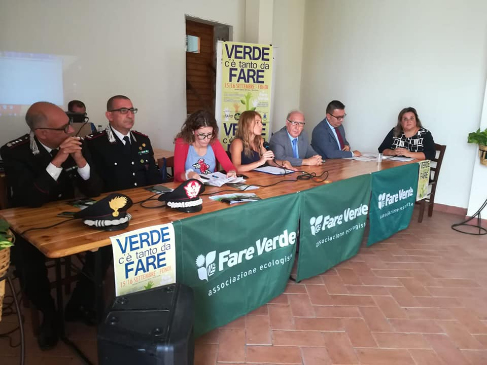 Al tavolo dei relatori: il colonnello Persi, il generale Vadalà, l'assessore regionale Onorati, la moderatrice Savodini, il vice prefetto il vice presidente della Provincia Carnevale