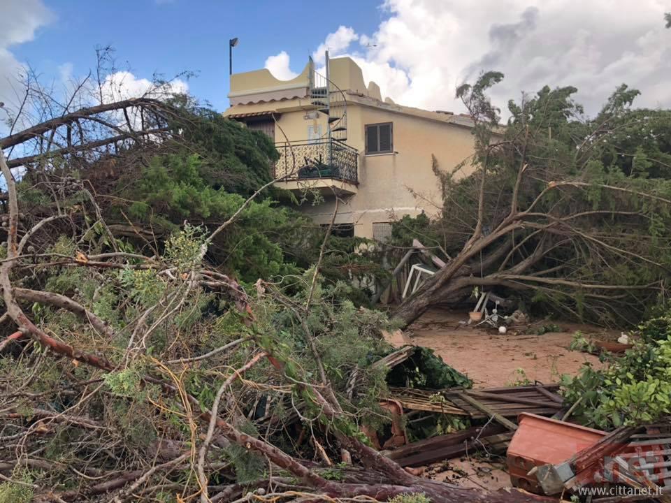 Un'immagine di Sperlonga dopo il tornado